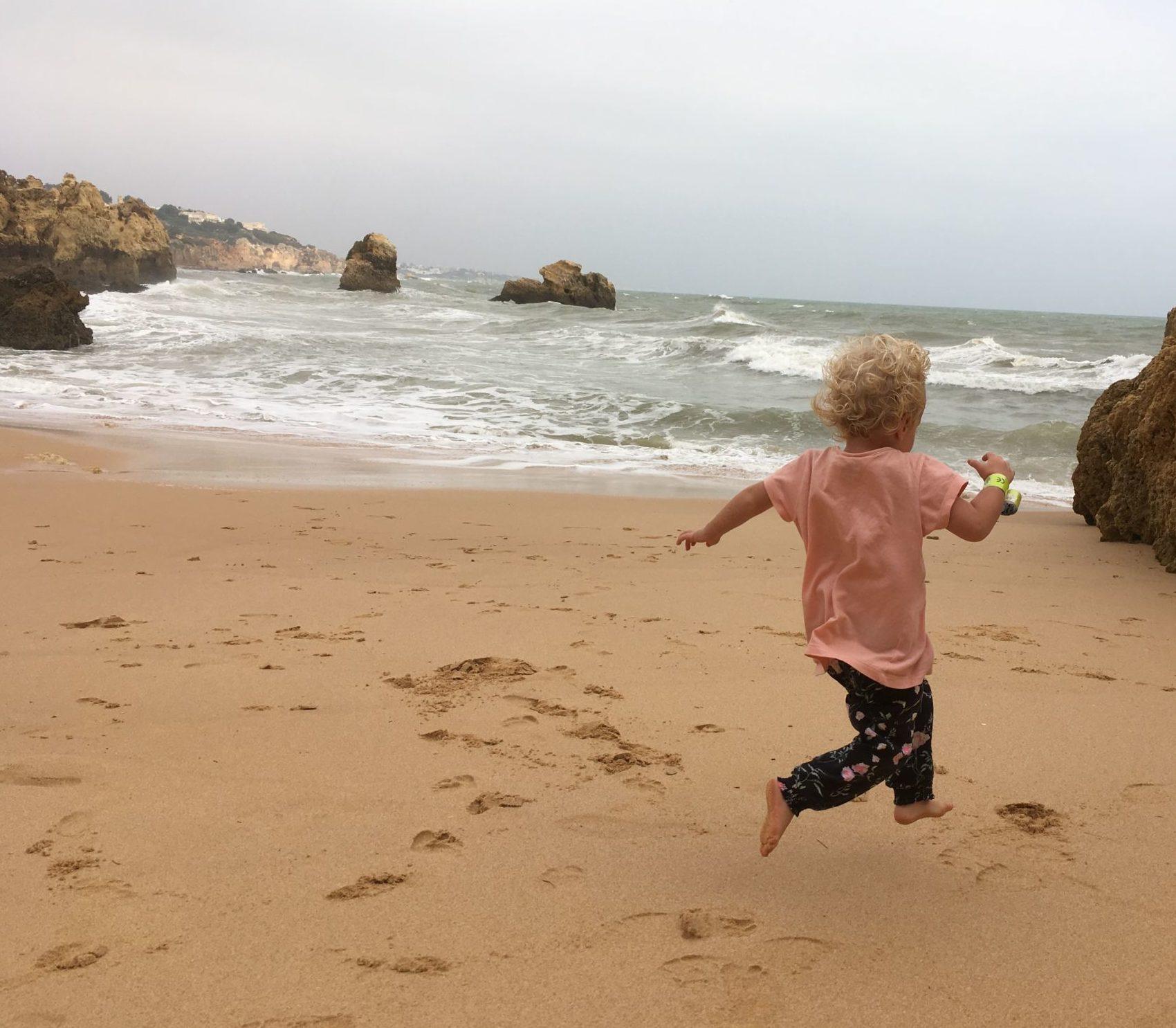 slobodné dieťa, miluje život